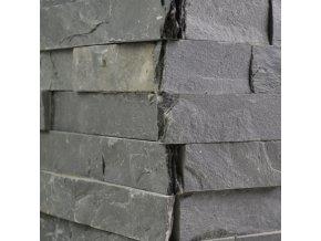 Kamenný obklad roh, černá břidlice, toušťka 1,5-2,5cm, BL001ROH